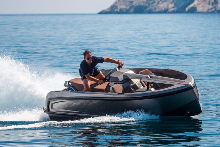 , The Vanqraft VQ16 Is a Luxury Boat-Sized Jet Ski